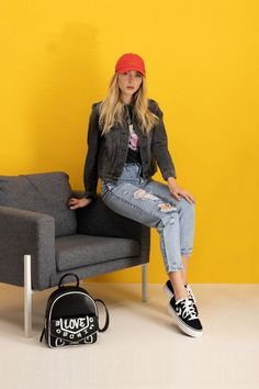 autumn | autumn outfit | spring outfit | summer outfit | autumn fashion | womensoutfit | casual outfit | women autumn outfit | womens black printed T-shirt | womens patterned T-shirt | womens black denim jacket | womens red GAP cap | womens torn MOM jeans | womens black VANS sneakers | womens black moschino backpack | fashion inspo | outfit inspo #ootd #factcooloutfit