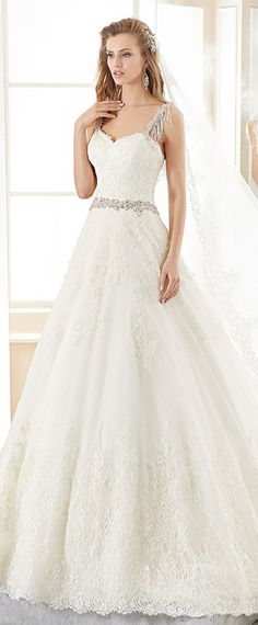 Stunning Tulle Sweetheart Neckline A-line Wedding Dress With Lace Appliques & Beadings