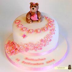 torta fiorellini rosa ed un orsacchiotto per il battesimo di una bimba www.la-pasticciona.it