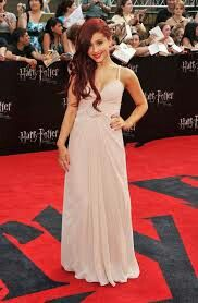 Ariana Grande: 'Harry Potter' Premiere in NYC!: Photo Ariana Grande looks pretty in pale pink as she arrives at the premiere of Harry Potter And The Deathly Hallows Part II held at Avery Fisher Hall, Lincoln Center… Ariana Grande Images, Ariana Grande 2010, Ariana Grande Body, Ariana Grande Outfits, Prom Dresses 2017, Backless Prom Dresses, Prom Party Dresses, Party Outfits, Celebrity Inspired Dresses