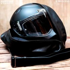 Motorcycle Equipment, Womens Motorcycle Helmets, Motorcycle Style, Motorcycle Gear, Modular Motorcycle Helmets, Cool Bike Helmets, Motorcycle Girls, Nine T Bmw, Cool Motorcycles