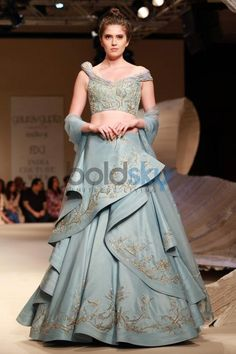 Designer Gaurav Gupta Show At ICW 2016 Photos - Pics 310714 - Boldsky Gallery Indian Gowns, Indian Attire, Indian Outfits, Indian Wear, India Fashion, Asian Fashion, Ethnic Fashion, Women's Fashion, Saree Gown