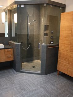 There are advantages that these bathroom neo angle shower stall have over conventional showers. The bathroom neo angle shower gives a bathroom a contemporary feel. Corner Shower Stalls, Corner Shower Caddy, Corner Showers, Bathroom Plans, Master Bathroom, Bathroom Vanities, Bathroom Showers, Bathroom Grey, Master Baths