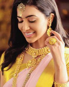 Anju Kurian is an Indian film actress who appears mainly in Malayalam films. Kavi Uddheshichathu and the 2018 film Njan Prakashan. . Follow us at instagram @reelpettiofficial www.reelpetti.com . #priyankamohan #reelpetti #reels #reelpetty #reelsinstagram #actressgallery #actress #tamilactress #kollywoodactress #tamilcinema #cinemagallery #cinewoods #tollywood #mollywood #behindwoods #டோலிவுட் #கோலிவுட் #ரெஜினா #சினிமா #சினிமாசெய்திகள் #தமிழ் சினிமா #தமிழ்ஆக்டர்ஸ் #தமிழ்நடிகைகள் Indian Film Actress, Tamil Actress, Hd Picture, Film Industry, Diamond Earrings, Actresses, Films, Beautiful, Instagram