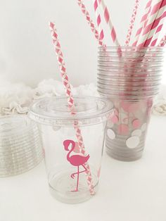 Your flamingle guests will love these festive pink flamingo party cups! A pretty pink flamingo sits at the center of each cup, surrounded by a sea of pink and white polkadots. Coordinating straws in striped and geo pinks round out this perfect look. Each set includes: • 12 Clear Plastic