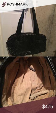 Bottega Venetta Shoulder Bag Bottega Venetta Shoulder Bag. Inside shows some wear Bags Shoulder Bags