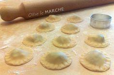 Ravioli al radicchio, pasta fatta in casa Pasta Casera, Fresh Pasta, Homemade Pasta, Relleno, Wine Recipes, Finger Foods, Food And Drink, Favorite Recipes, Cooking