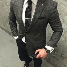 The perfect dress shirt is what truly completes the suit but moreover; the entire look is dependent on the right way to wear the shirt. Gentleman Mode, Gentleman Style, Mens Fashion Suits, Mens Suits, Suit Men, Fashion Menswear, Style Costume Homme, Mode Costume, Dress Outfits