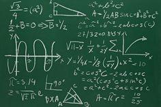 En la clase de geometria nosotros trabajamos en muchos proyectos. Tengo la clase geometria a las 10:50 en el lunes y miercoles.