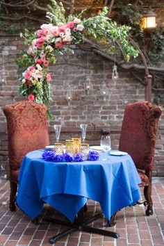 Bride and Groom Sweetheart Table Reception Dinner | Firehouse-Restaurant-Wedding-Old-Town-Sacramento-Wedding-Photographer