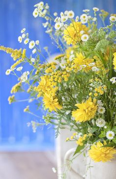 Floral Arrangement ~ yellow, white