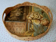 Atölye Beyaz Biscuit, Wooden Art, Tray Decor, Kitchen Paint, Vintage Wood, Hobbies And Crafts, Painting On Wood, Decorative Items, Design Elements