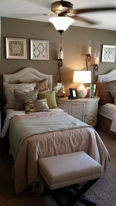 Guest Bedrooms with Twin Beds | Guest room-Twin beds.