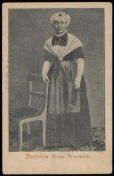 Een Weesmeisje in werkkleding in het Burgerweeshuis, Kalverstraat 92 prentbriefkaart ca 1900 Collectie Stadsarchief Amsterdam #NoordHolland #Amsterdam #wezen #burger