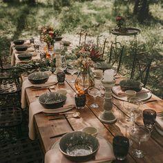 """775 Me gusta, 15 comentarios - Tendencias de Bodas Magazine (@tendenciasdebodas) en Instagram: """"La mesa está así de bonita puesta, hoy cenamos #vegano con un exquisito menú preparado por los…"""""""