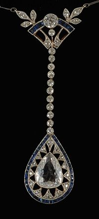 Art Deco platinum set diamond and calibre sapphire fine quality pendant 1920c 1.50ctpear shaped diamond