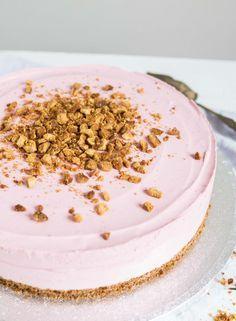 dessert, food, and raspberry cheesecake image Vegan Cake, Vegan Desserts, Delicious Desserts, Yummy Food, Baking Recipes, Cake Recipes, Sweet Bakery, Sweet Pastries, Desert Recipes