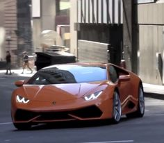 Watch A Lamborghini Huracan Tear Through The Backstreets Of LA! Oh to be this driver! Hit the image to watch...