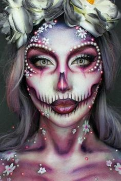 Innovative Halloween make-up thoughts that are going to pass away for and you could use for insights! Dead Makeup, Sfx Makeup, Crazy Makeup, Costume Makeup, Makeup Box, Amazing Halloween Makeup, Halloween Looks, Halloween Face Makeup, Scary Halloween