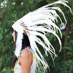 White Native American Headdress With Shells - 75cm