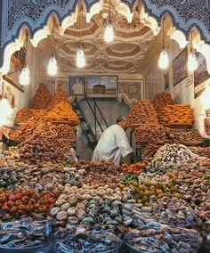 Sweet seller - Marrakesh
