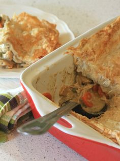 Chicken Pot Pie With Parmesan Shortcrust - Cooking with Tenina. Oh Ambert with Tenina why do you tempt me so? Chicken Recipes Thermomix, Best Chicken Recipes, Turkey Recipes, Sweet Recipes, Recipe Chicken, Veg Pie, Main Meals, Yummy Food, Rabbits
