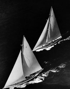 155309 Rainbow and Weetamoe A photograph from the Edwin Levick Collection showing a birds eye view of Rainbow and Weetamoe in a race for the opportunity to defend in the 1934 America's Cup.