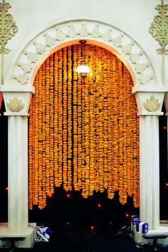 Hanging garlands - Marigold