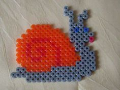 Hama Perlen Schnecke for Danny? Hama Beads Patterns, Beading Patterns, Art For Kids, Crafts For Kids, Melted Beads, Iron Beads, Potpourri, Snail, Perler Beads