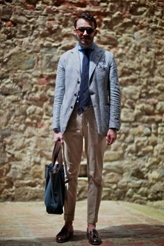 Stone Trousers and lightgrey blazer with blue tie. A great spring or summer look! Sprezzatura style!