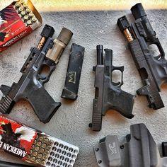 #Repost @sansottastrong  The makings of a very good day. @zevtech @acrown509       #glock #glock19 #glock26 #2a #freedom #pewpew #pewpewlife #pewpewpew #sickguns #gunporn #guns #weapons #weaponsdaily #gunsdaily #usa #gun #firearms #shooting #sickguns #9mm #rangeday
