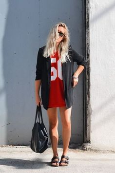 Oversized t-shirts and varsities. 20+ perfect look ideas #evatornadoblog