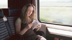Скучную поездку в общественном транспорте можно всегда скрасить любимой музыкой или, что еще лучше, хорошей литературой, которая не займет много