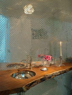 AuBergewohnlich Design Idee Für Das Gäste WC Mit Mosaik Spiegelwand Und Waschtisch Aus Holz