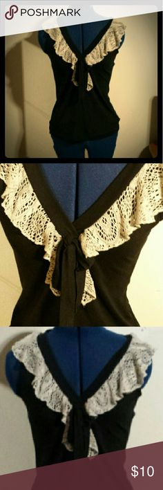 Women's Clothing..🌷Can be Bundled 🌷 EUC Charlotte Russe Tops Blouses
