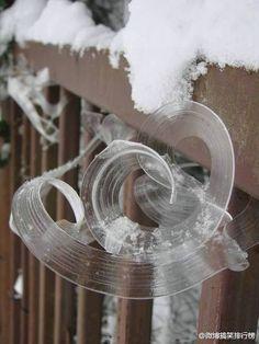 風怎麼刮的,冰都記得。
