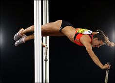 i'm in love with pole vaulting <3 i love how it makes me feel free and like i can fly to infinity and beyond <3