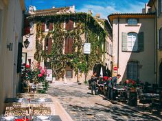 10 Amazing Places You Have To Visit In The South Of France (7)