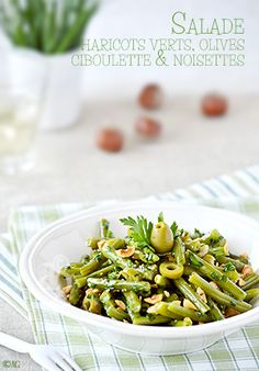 * Green bean salad with olives, chives & hazelnuts - Awesome Super The green bean salad . Savory Salads, Healthy Salads, Healthy Recipes, Green Bean Salads, Green Beans, Healthy Eating Habits, Seasonal Food, Greens Recipe, Vegetable Salad