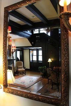Mirror, Mirror: Best #FengShui Mirror Locations Feng Shui Mirrors, Feng Shui Tips, Declutter, Housekeeping, Oversized Mirror, Mirror Mirror, Shelter, Inspiration, Home Decor