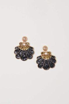 H&M Shell-shaped Earrings