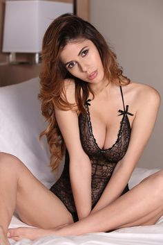 Ines Trocchia: Lovely Lady of the Day