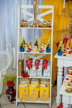 Sweet_Touch _by_iva's Birthday / Belle / Beauty and the Beast - Photo Gallery at Catch My Party Beauty And The Beast Cake Birthdays, Beauty And Beast Birthday, Beauty And The Beast Theme, Beauty And Beast Wedding, Disney Beauty And The Beast, 4th Birthday Parties, 3rd Birthday, Bueaty And The Beast, Ambre