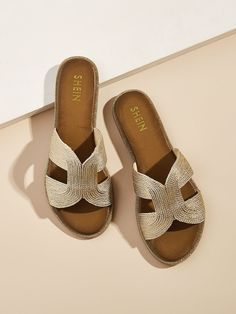 To find out about the Woven Detail Open Toe Slippers at SHEIN, part of our latest Slippers ready to shop online today! Mens Boots Fashion, Fashion Shoes, Boho Fashion, Women's Slip On Shoes, Slipper Sandals, Gucci, Leather Sandals, Leather Slippers, Open Toe