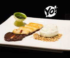 Bananas Flambadas, Calda de Chocolate e Sorvete de Baunilha. TokYo! Restaurante Café Londrina.  #soutokyo #restaurante #japones #londrina #rodizio #japanese #food #chef #adriano #kanashiro #cooking