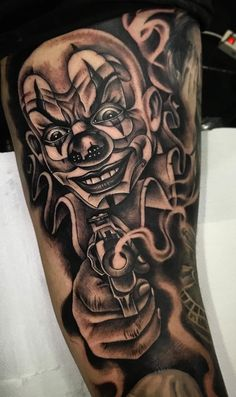 Chicano Tattoos Gangsters, Chicano Tattoos Sleeve, Chicano Style Tattoo, Gangster Tattoos, Best Sleeve Tattoos, Tattoo Sleeve Designs, Tattoo Designs Men, Evil Tattoos, Creepy Tattoos