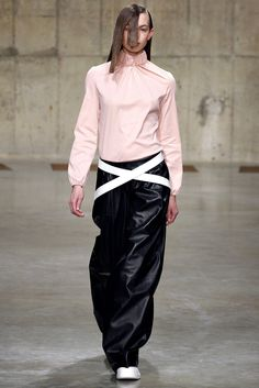 J.W.Anderson Fall 2013 Ready-to-Wear Fashion Show