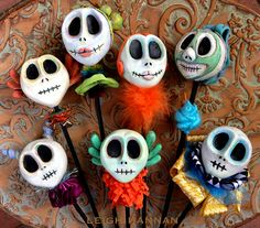 I'm giving away a skelly! details on my blog: http://www.leighhannan.com/the-bones-blog/im-giving-away-a-skelly.html
