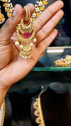 Ear Cuff Jewelry, Jewelry Design Earrings, Gold Earrings Designs, Jhumka Designs, Antique Jewellery Designs, Fancy Jewellery, Gold Jewellery Design, Gold Jewelry, Jewelery