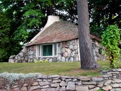 Lloyd's Blog: The Stone Houses of Earl Young